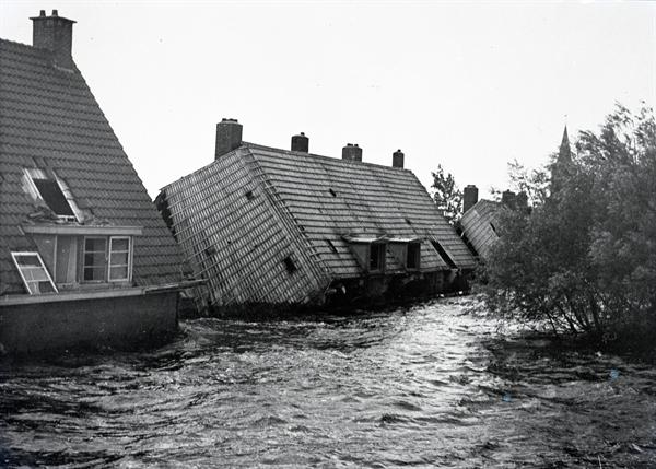 Gevolgen van de inundatie don de Duitse bezetting in april 1945