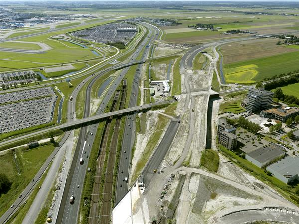 Luchtfoto 10 augustus 2016: project Omlegging A9 Badhoevedorp.