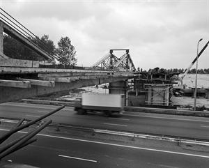 Maarssenbroek. Viaduct over de A2.