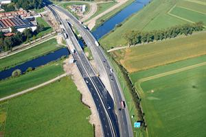 Luchtfotoserie brug A59 Brabant.